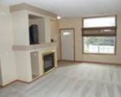 Available immediately--great Maple Grove Townhouse!