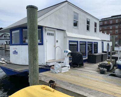 Houseboat White Elephant: HUGE Boat Rental Downtown Boston! - North End