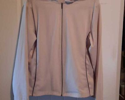 Denver Hayes light tan golf shell. So silky! Size M, Excellent condition