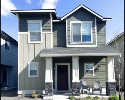Roommate Wanted in New Townhome!!