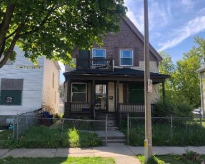 4 Bed 2 Bath Preforeclosure Property in Milwaukee, WI 53208 - N 38th St
