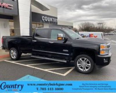 2018 Chevrolet Silverado 2500HD High Country Crew Cab Long Box 4WD