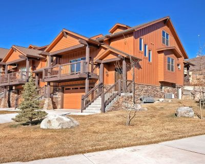 New listing! Mountain view townhouse w/ large deck - easy drive to Park City! - Kamas