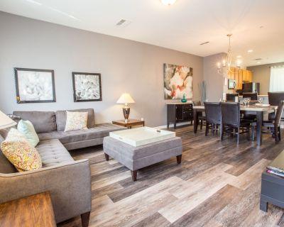 New & Elegant Townhome At Vista Cay Resort - Orlando