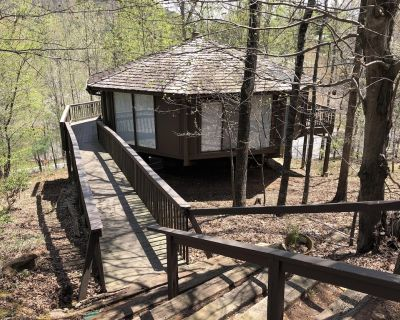 Chalet 40 - New renovated Treetopper across from the Play Park - Big Canoe