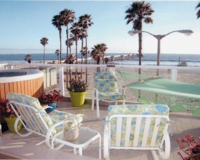 LUXURY BEACH FRONT GEM UNIQUE IN VENICE BEACH! AUGUST SALE $25,000 FOR 31 NIGHTS - Venice