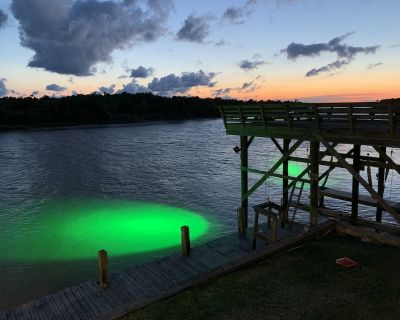 The Reel Retreat - Boat Lift Now Available - Matagorda