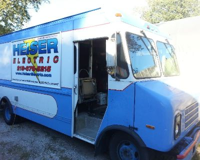 ultimate mobile workshop contractors truck with liftgate and solar power toy hauler box truck