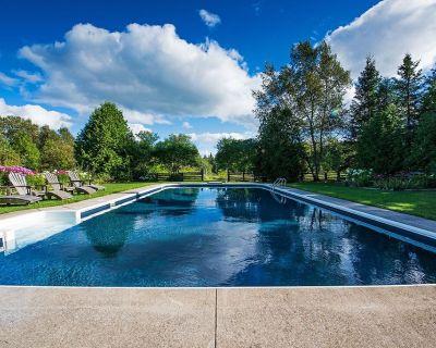 Historic Farmhouse with Pool, Hot Tub, Stream, Barn, 100 Acres - Grey Highlands