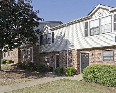 Townhouse for rent 2br 1 1/2 bath