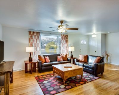 Modern house 4-Bedroom in the heart of Longmont