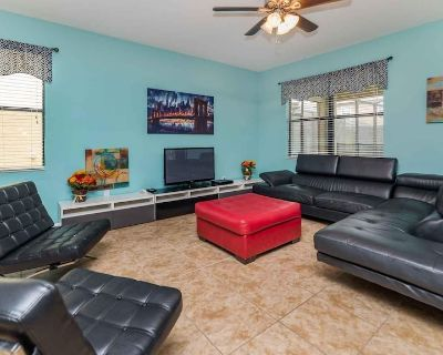 NewVRBO Retreat w/ billiards, outdoor Oasis w/ Grill, own MovieRoom, +Lazy River - Champions Gate