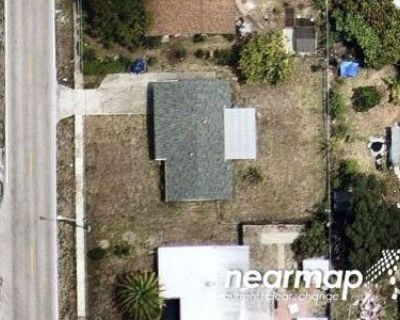 2 Bed 1.0 Bath Foreclosure Property in Fort Myers, FL 33901 - Central Ave