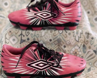 Umbro toddler girls cleats, size 10