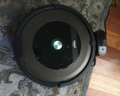 Roomba Model 890
