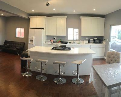 5 room house. 3 bedroom & 2 dens - Studio City