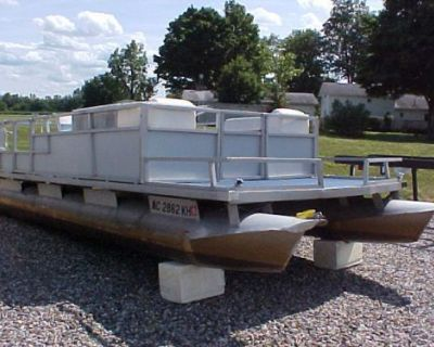"""Playbuoy Pontoon For Parts *16' Long W/21"""" Tubes * Use For Lake Raft??"""