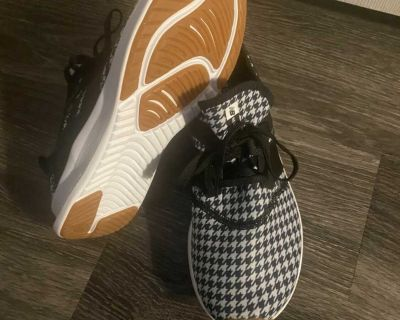 Women s Houndstooth New Balance Tennis Shoes