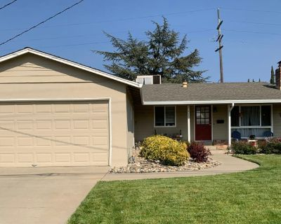 Private room with own bathroom - Livermore , CA 94550