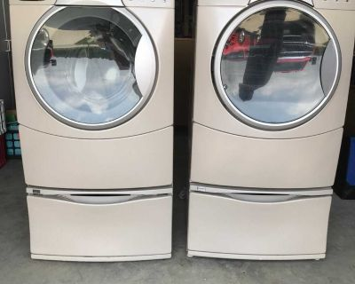 Kenmore Elite HE 4t washer and matching dryer WITH pedestals.