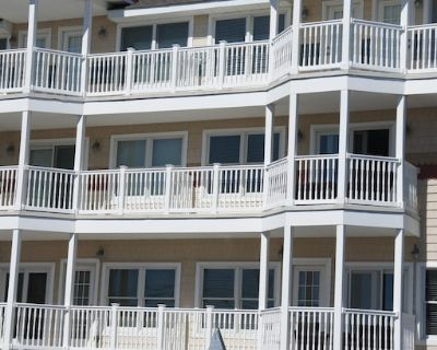 Luxury Gated Townhouse, Steps to Beach and Boardwalk With Ocean Views - Seaside Heights