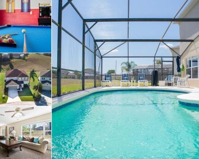 Home With Games Room & West Facing Pool In the Four Corners Community - Davenport