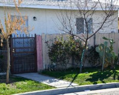 823 O St, Bakersfield, CA 93304 2 Bedroom House