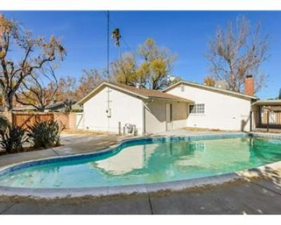 ?MOVE-IN READY 3BD/2BTH POOL HOUSE WEST HILLS CA?