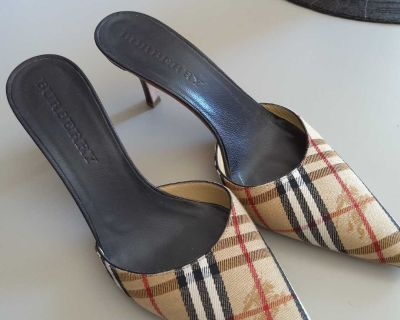 GUC AUTHENTIC BURBERRY SLIP ON SHOES MADE IN ITALY MAKE REASONABLE OFFER SZ 38
