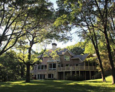 Peaceful Wooded Getaway - Stillwater