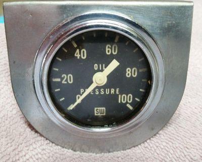 """Vintage Stewart Warner 2 1/8"""" 0-100 psi needle mechanical oil pressure gauge"""