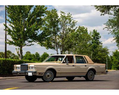 1984 Lincoln Town Car