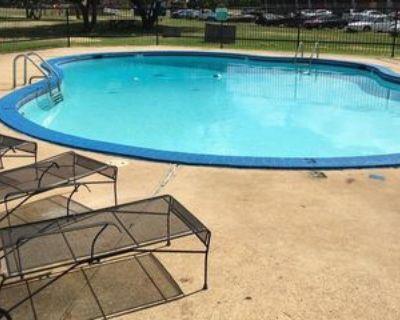 3325 E Texas St, Bossier City, LA 71111 1 Bedroom Apartment