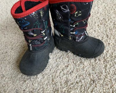 Toddler size 5 winter boots
