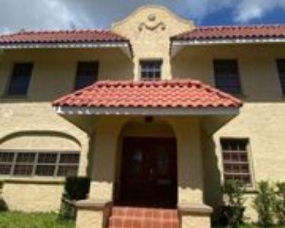 8900 Ne 1st Ave #1, El Portal, FL 33138 4 Bedroom House
