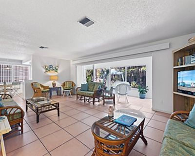 West End Paradise Unit 2 - two bedroom suite w/water views - Tradewinds