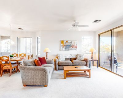 Desert Getaway w/ Free WiFi, a Private Washer/Dryer, Shared Pool, & Hot Tub - Stone Canyon