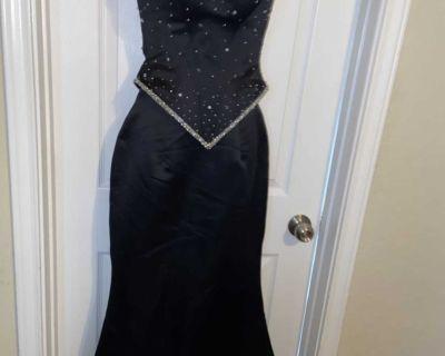Joli Prom- size 4: 2pc mermaid/corset dress- quick pick up