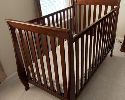 Hardly used baby cradle and mattress