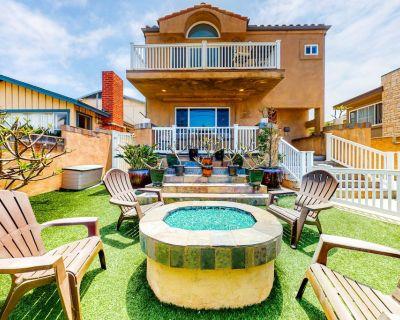 Wonderful Beachside House w/Private Hot Tub & Washer/Dryer, WiFi, & Firepit - Carlsbad