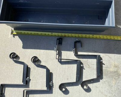 2 planters and railing hangers