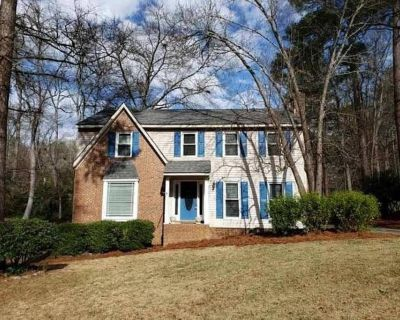 Private room in pet-friendly house with fenced yard - North Augusta