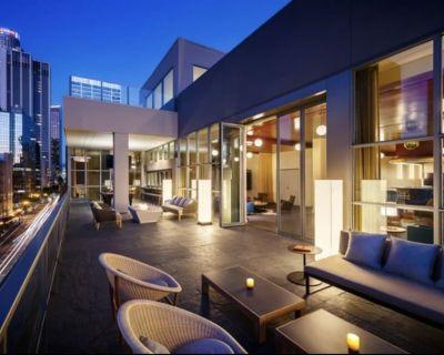 Modern 2 bedrooms unit in DTLA - Beverly Hills