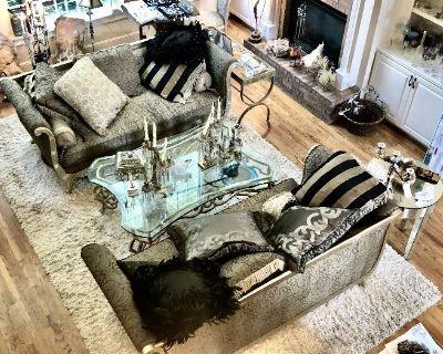 Donna Davis LLC: Eclectic Antiques, Jewelry /Versace