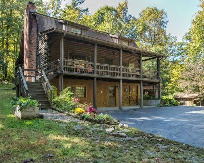 Dupont Forest Trailside Cabin - Hendersonville