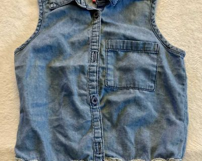 Girl s Top, Size 5/6