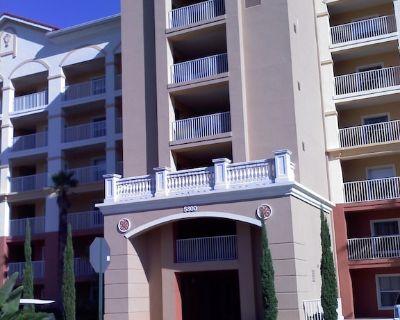 Absolutely stunning one bedroom timeshare/resort right next door to Disneyland. - Bay Lake