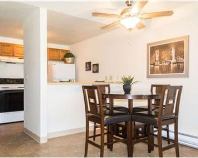 3 bedrooms Apartment in Richland. Covered parking!