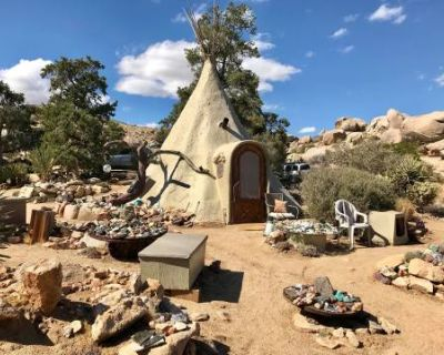 Garth's Boulder Gardens, A Square Mile of Magical Land with Amazing Structures, Wildlife, Boulders, and Views, Geronimo Trail, CA