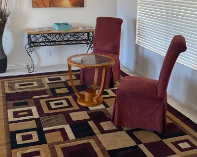 Private room with own bathroom - Apple Valley , CA 92308